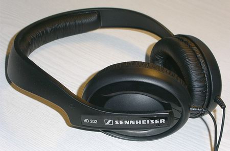 Sennheiser HD201 Vs HD202