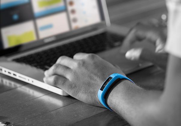 Garmin VivoFit vs Fitbit Force